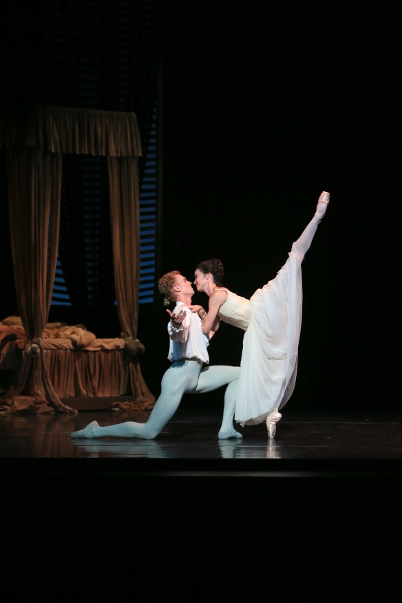Lucinda Dunn and Adam Bull in Manon