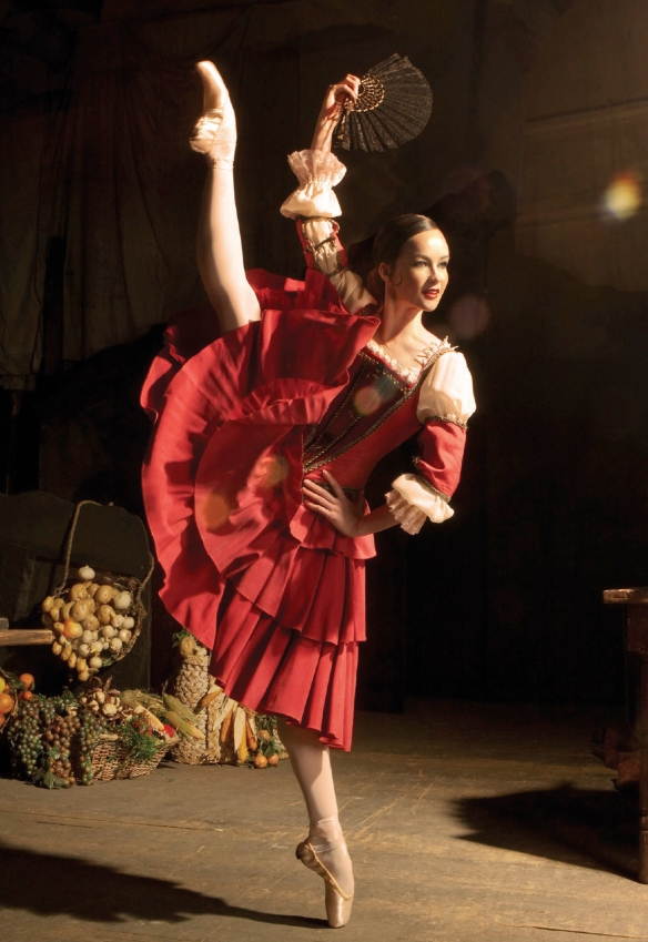 Lucinda Dunn as Kitri in Don Quixote. Photo: Lynette Wills