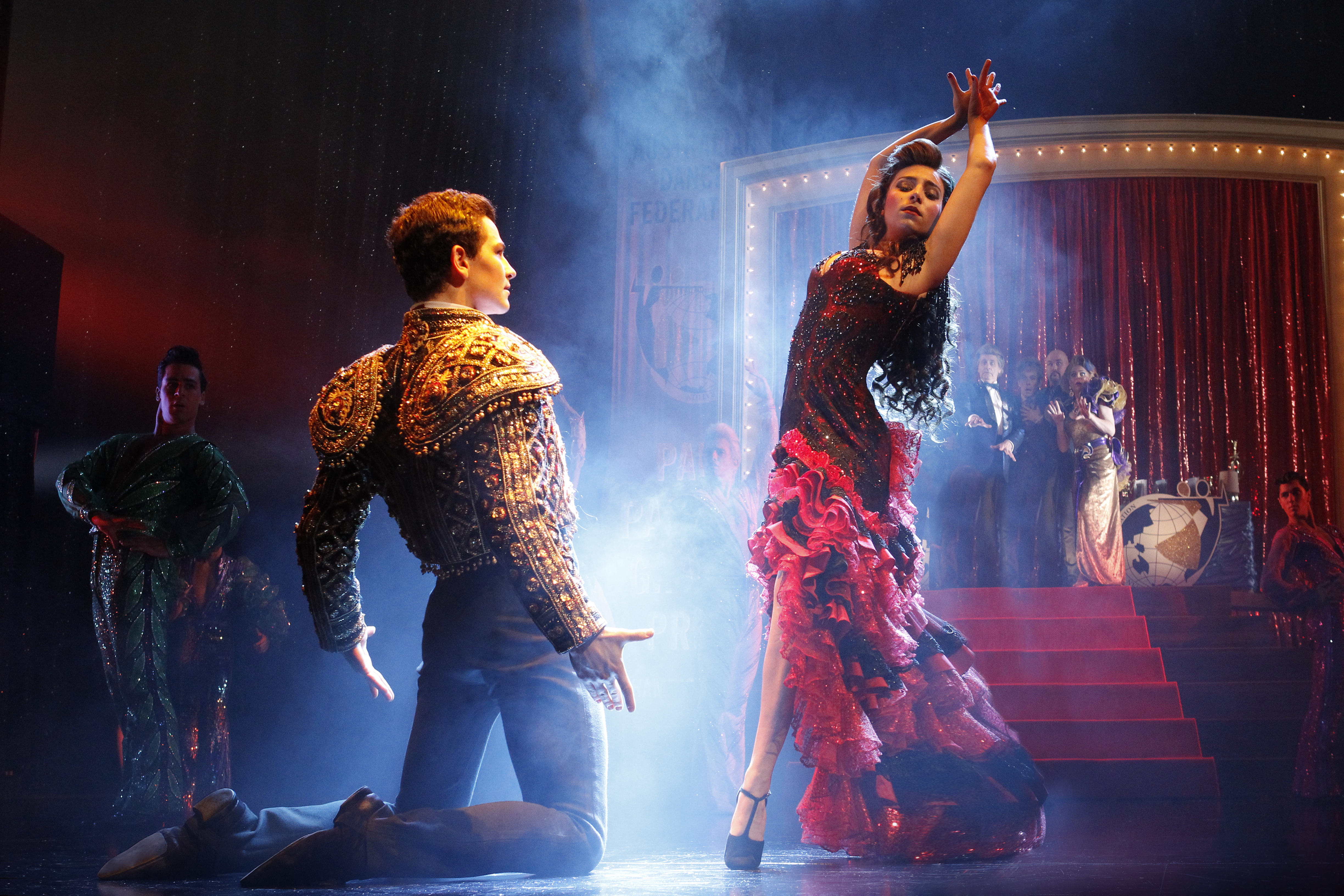 strictly ballroom essay fran Education outreach program screening: strictly ballroom director: baz   respond to the screening with a one-page essay essays  quiet beginning  dancer fran, however, encourages scott to dance his own steps, and she  becomes his.