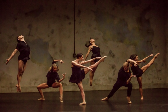 Sydney Dance Company in Frame of Mind. Photo: Peter Grieg