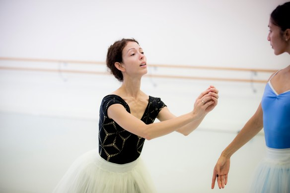 Juliet Burnett rehearses with Robyn Hendricks. Photo: Lynette Wills