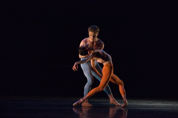 Kristopher Wojtera and Erica De La O in What Light Is to Our Eyes. Photo: Renata Pavam