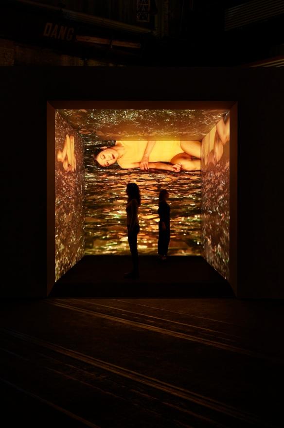 Saburo Teshigawara's Broken Lights, an immersive experience for the viewer