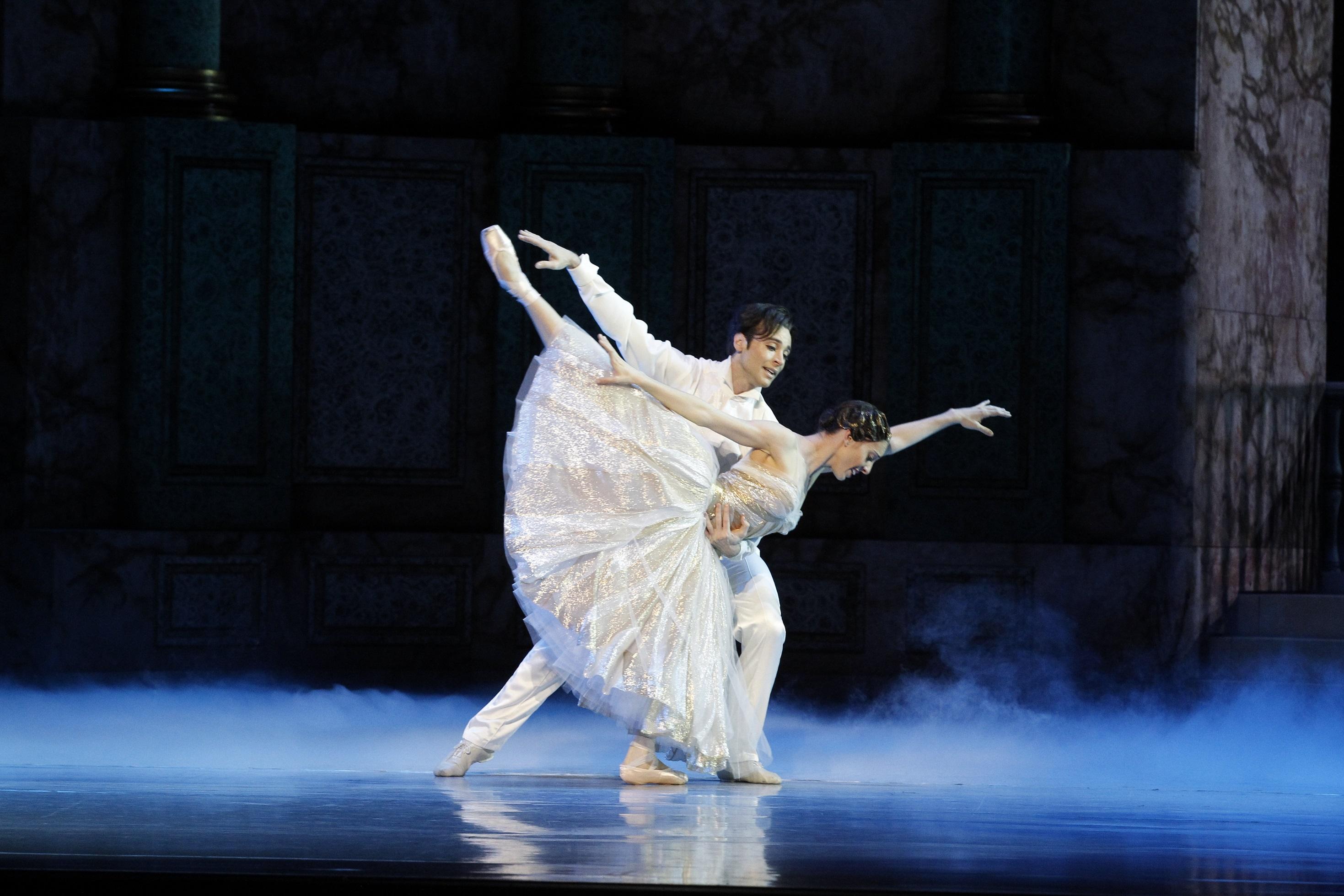 Leanne Stojmenov and Daniel Gaudiello in Cinderella, 2013 photo Jeff Busby_3765