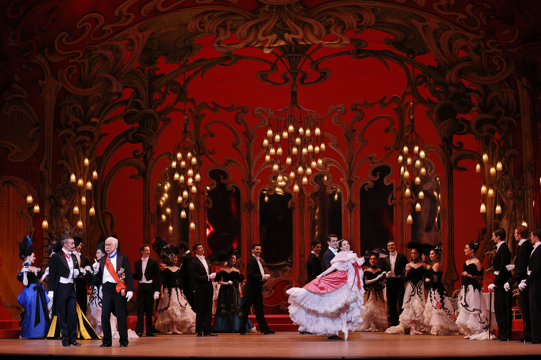 TAB_The Merry Widow_Leanne Stojmenov and Artists of The Australian Ballet_Photo Jeff Busby