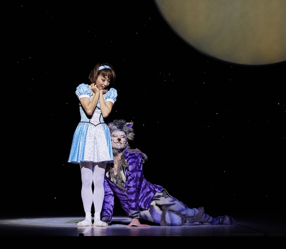 Chihiro Nomura as Alice and Matthew Lehmann as the Cheshire Cat in ALICE (in wonderland). Photo by Sergey Pevnev (3)